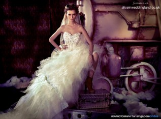 Steampunk bride inspiration {via aliceinweddingland.co.uk}