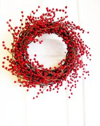 Christmas wedding wreath - www.etsy.com/shop/WoodAndBurlap