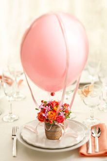Hot air balloon place setting {via 1800flowers.com/blog/julie}