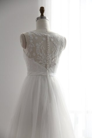 A-line wedding dress $329 - www.etsy.com/shop/GorgeousBridalGowns