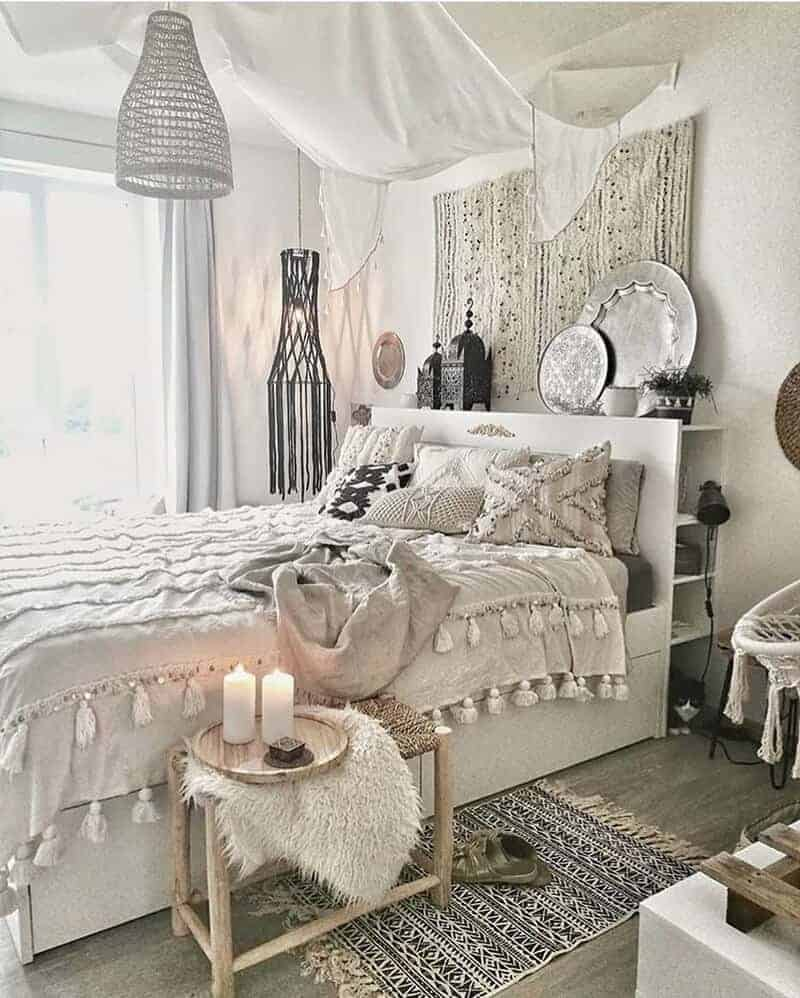 25 Cozy Bohemian Bedroom Ideas for Your First Apartment ... on Bohemian Bedroom Ideas  id=45160