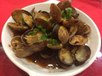 Clams in sauce. Mmm finger lickin good