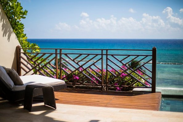 Suite Grand Class at Grand Velas Riviera Maya (via www.TheMexicoReport.com)