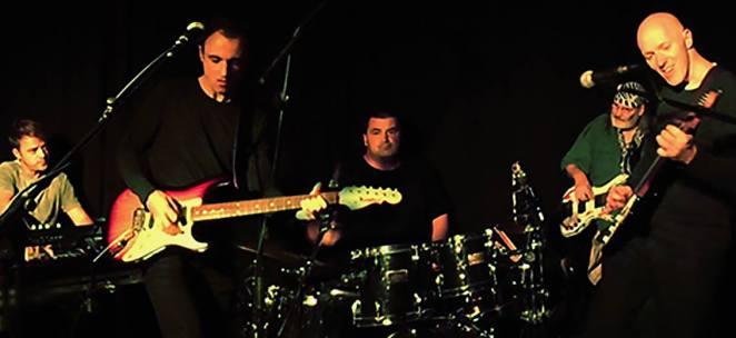 Band im Garbaty small
