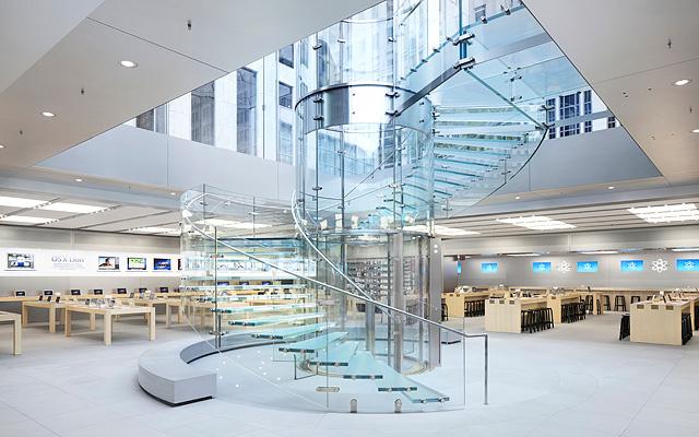 apple-store-in-manhattan-stairs