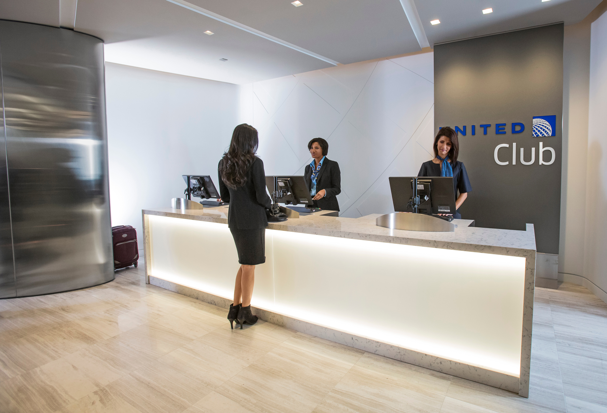 Free United Club Access for 1 Year: United's Visa Club Card Promotion–Putting a value on Club access and Skunky Beer