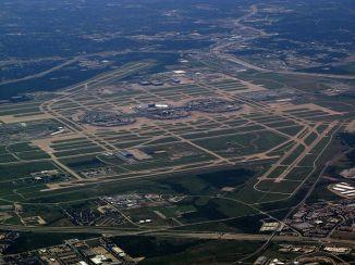 800px-Dallas_-_Fort_Worth_International_Airport
