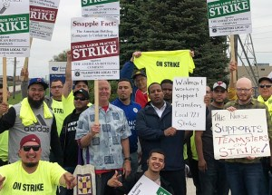 Chicago Teamsters on strike against American Bottling Company on picket line in Northlake, Illinois, May 22, joined by Walmart and other workers, bringing solidarity with union fight.