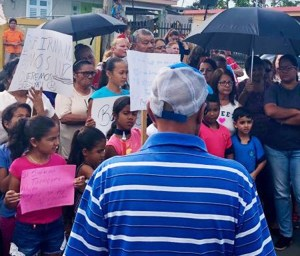 March 20 protest demands electricity in Humacao, Puerto Rico.