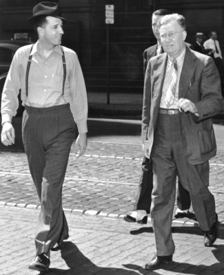 Farrell Dobbs, left, and Cannon in November 1941 during break in the trial.