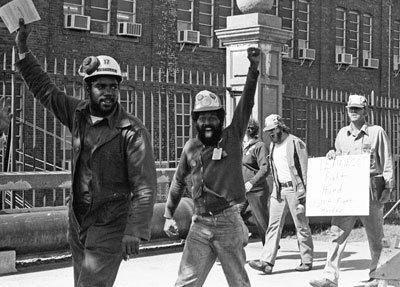 Steelworkers Local 8888 members Nov. 12, 1979, during successful fight to organize union at Newport News, Virginia, shipyard. Battle registered strengthening of U.S. working class, a product of mass Black-led struggles that brought down institutionalized race segregation in South.