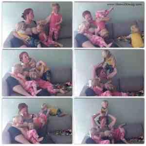 breastfeeding triplets