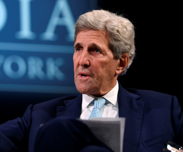 Kerry: Climate Talks Likely to End Short of UN Target for Easing Global Warming