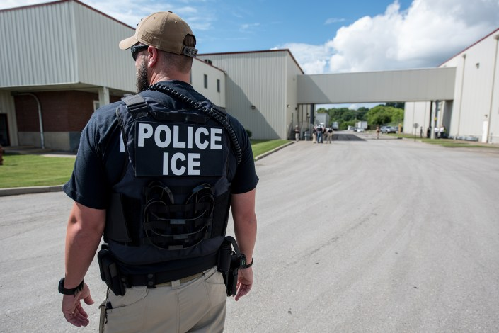 DHS floats idea to shield illegal immigrants who rat out employers: report