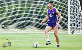 Orlando City SC defender David Mateos dribbles the ball during a training session at Sylvan Lake Park on Friday, Sept. 2, 2016. (Photo by Victor Tan / New Day Review)