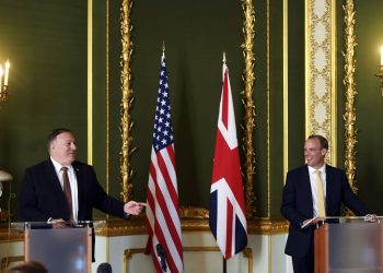 Pompeo calls for global coalition against China in meeting with British officials