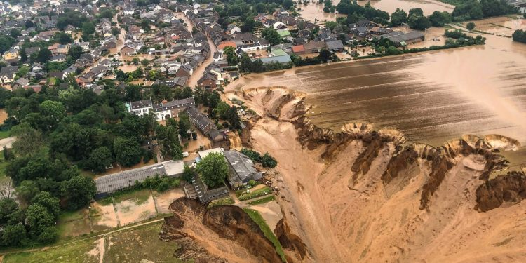 floods in europe and heat waves in US