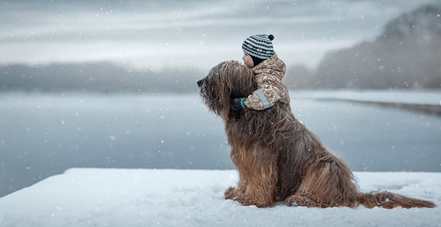 Charming Photos Capture Little Kids Bonding With Protective Big Dogs
