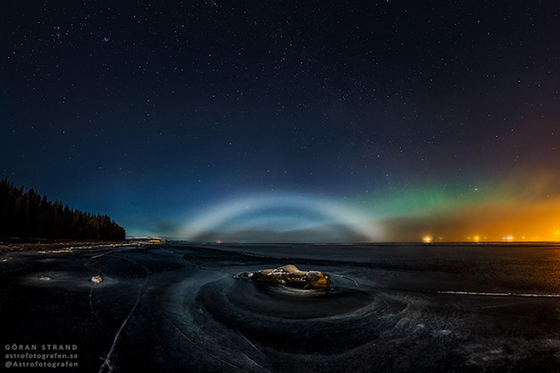 "Astrophotographer Captures Rare Lunar ""Fog Bow"" Under the Northern Lights"
