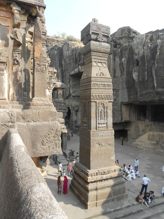 Kailasa temple pillars