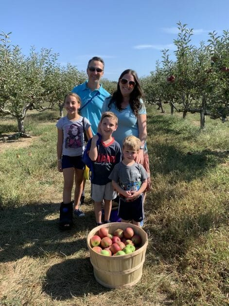 The Mint Chip Mama - Apple Picking at Lewin Farm 2019