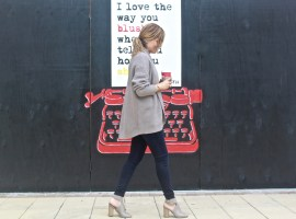 Street Style: Plaid, Sweaters and Art