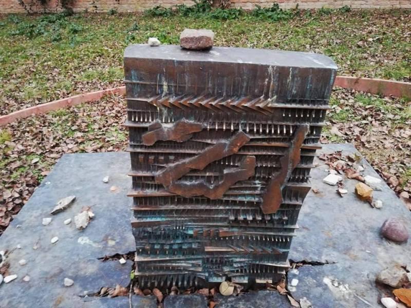 il cimitero ebraico di ferrara - shoah - olocausto - the minutes fly - web magazine - osso di seppia