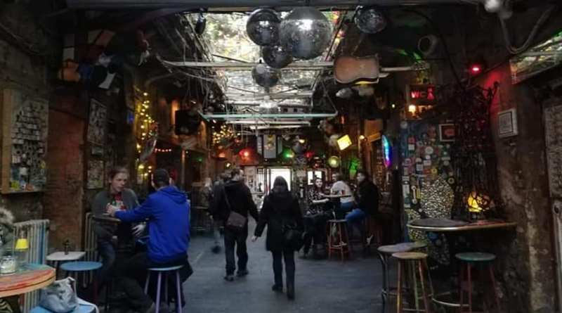 Szimpla Kert Ruin Pub The Minutes Fly