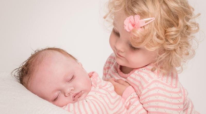 figli - bambini - festa della mamma - mamma - the minutes fly - mamme e figli - web magazine