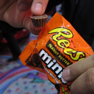 Reese's Minis at CES 2011