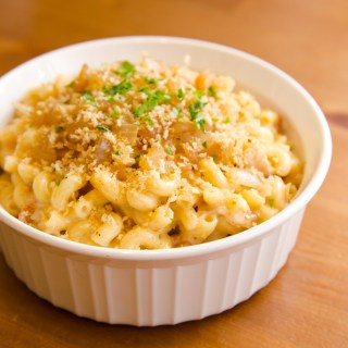 Macaroni and Cheese with Garlic Panko
