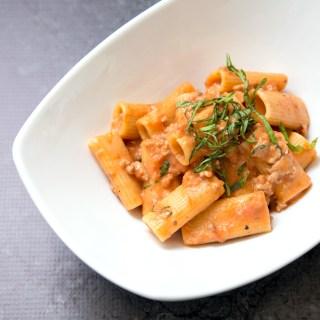 One Pot Creamy Tomato Pasta