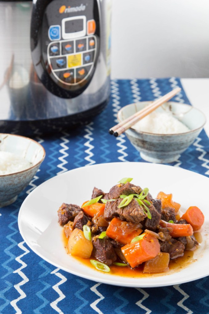 Braised Short Ribs with Daikon and Carrot (Pressure Cooker) 1| The Missing Lokness