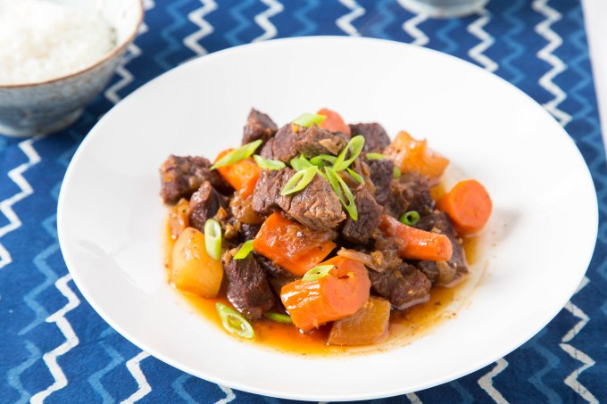 Braised Short Ribs with Daikon and Carrot (Pressure Cooker) 2| The Missing Lokness