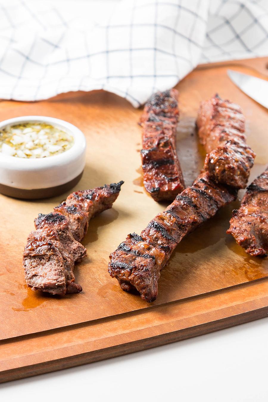 Grilled College Marinated Steaks #steak #marinade #grilling #meat #beer #chimol #dinner #dinnerrecipe #easyrecipe | The Missing Lokness