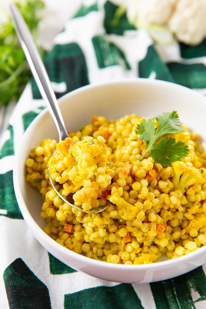 Mendocino Farms Curried Couscous with Roasted Cauliflower #sidedish #pastasalad #couscous #curry   The Missing Lokness