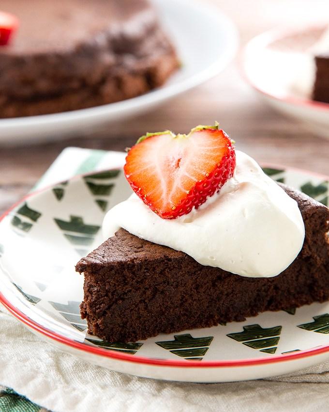 Chocolate Torte #chocolate #chocolatecake #chocolatetorte #frenchpastry #chocolatedessert #almondflour #dessert #dessertrecipe #glutenfree | The Missing Lokness