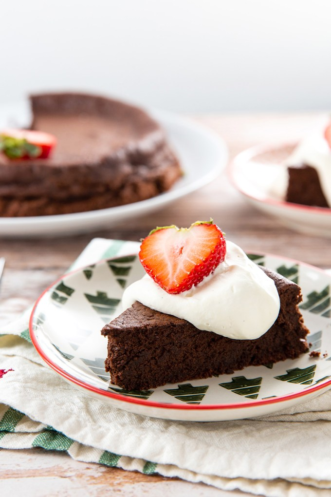 Chocolate Torte #chocolate #chocolatecake #chocolatetorte #frenchpastry #chocolatedessert #almondflour #dessert #dessertrecipe #glutenfree | The Missing Lokness