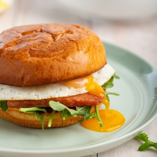 Spam and Egg Sandwiches #spam #egg #sandwich #eggsandwich #chilisauce #breakfast #breakfastrecipe #lunch #easyrecipe | The Missing Lokness