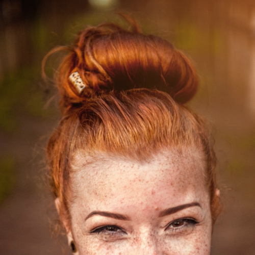 Office Hairstyles For Working Moms - Mom Bun