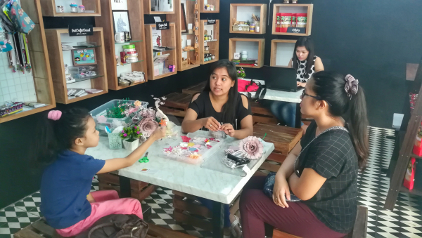 Paper Flower Bouquet Workshop at The Joint: Craft and Meeting House