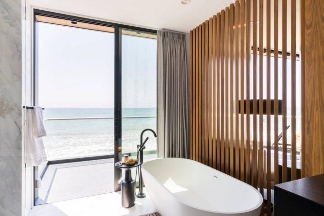 022-beach-house-brandon-architects-1050x700