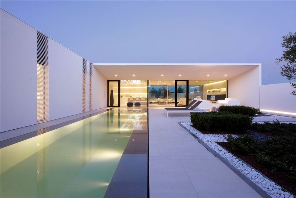 Jesolo-Lido-Pool-Villa-19.jpg