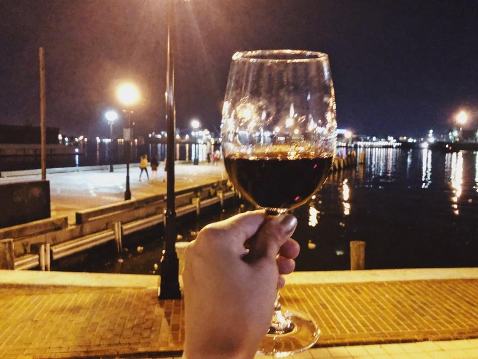 Baltimore-cheers.jpg