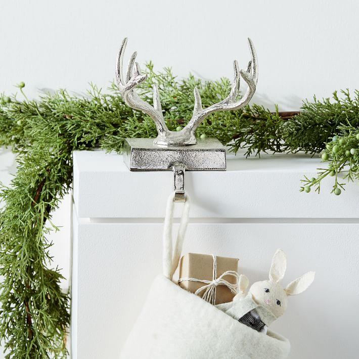 antler-stocking-holder-1-o.jpg