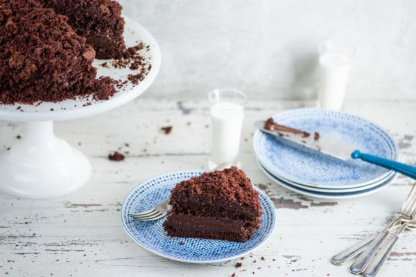 Ebinger's Blackout Chocolate Cake
