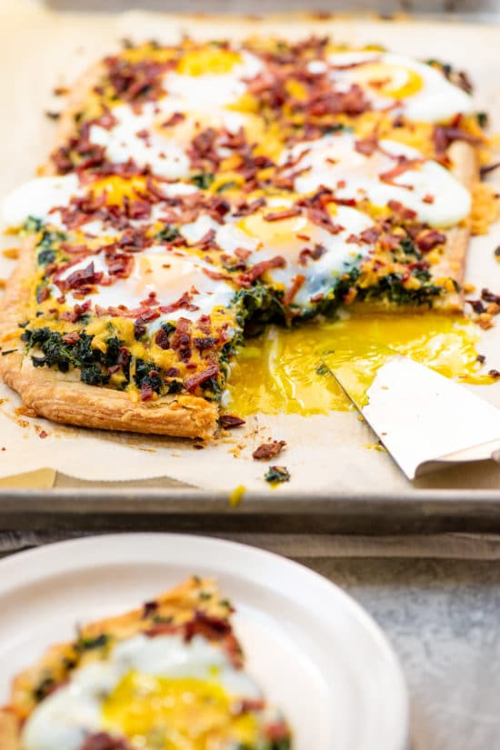 how to make puff pastry breakfast pizza