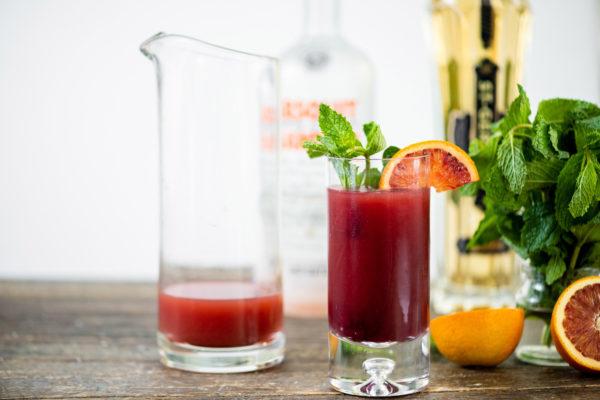 Vodka Cocktail Recipe / Katie Workman / themom100.com / Photo by Cheyenne Cohen