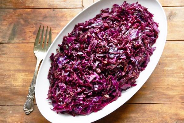 Red Cabbage Recipes / Katie Workman / themom100.com / Photo by Mia