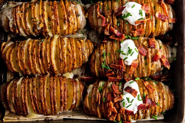 Easy Cheesy Loaded Hasselback Potatoes